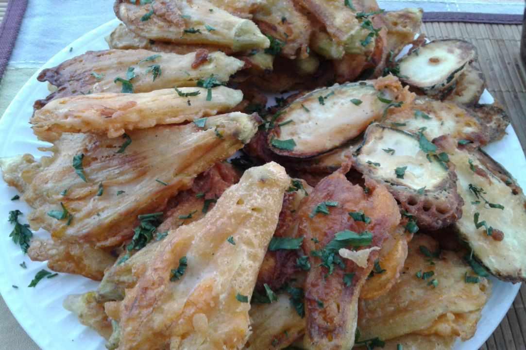 Crispy fried zucchini blossoms recipe - A delicious snack ...