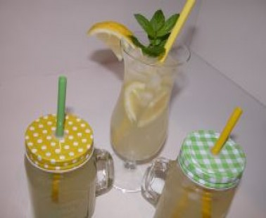 Lemonada (Fresh Homemade Lemonade)