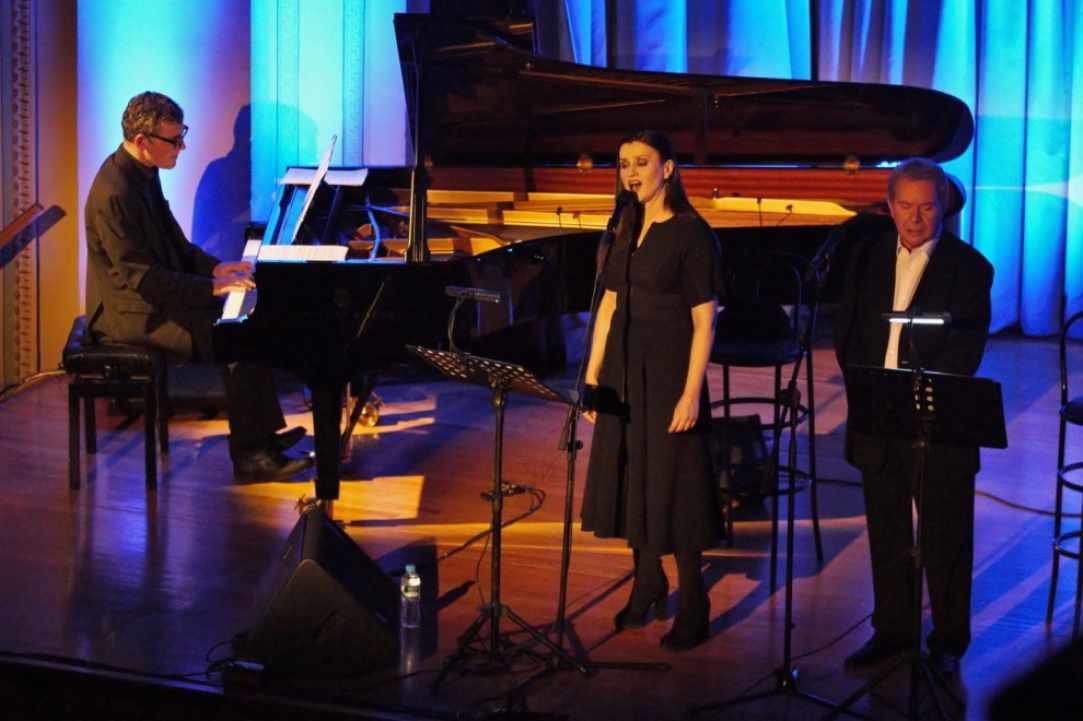Manolis Mitsias, Karyofyllia Karampeti - SONGS BY GATSOS ΤΗΑΤ WE LOVED