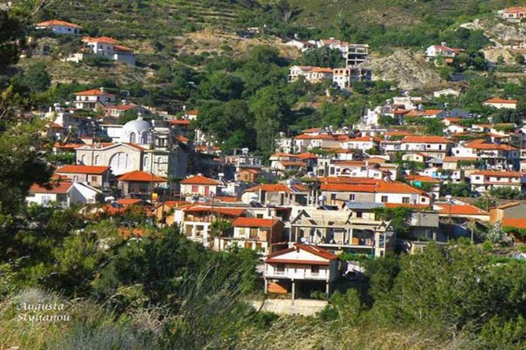 Το χωριό Πελένδρι