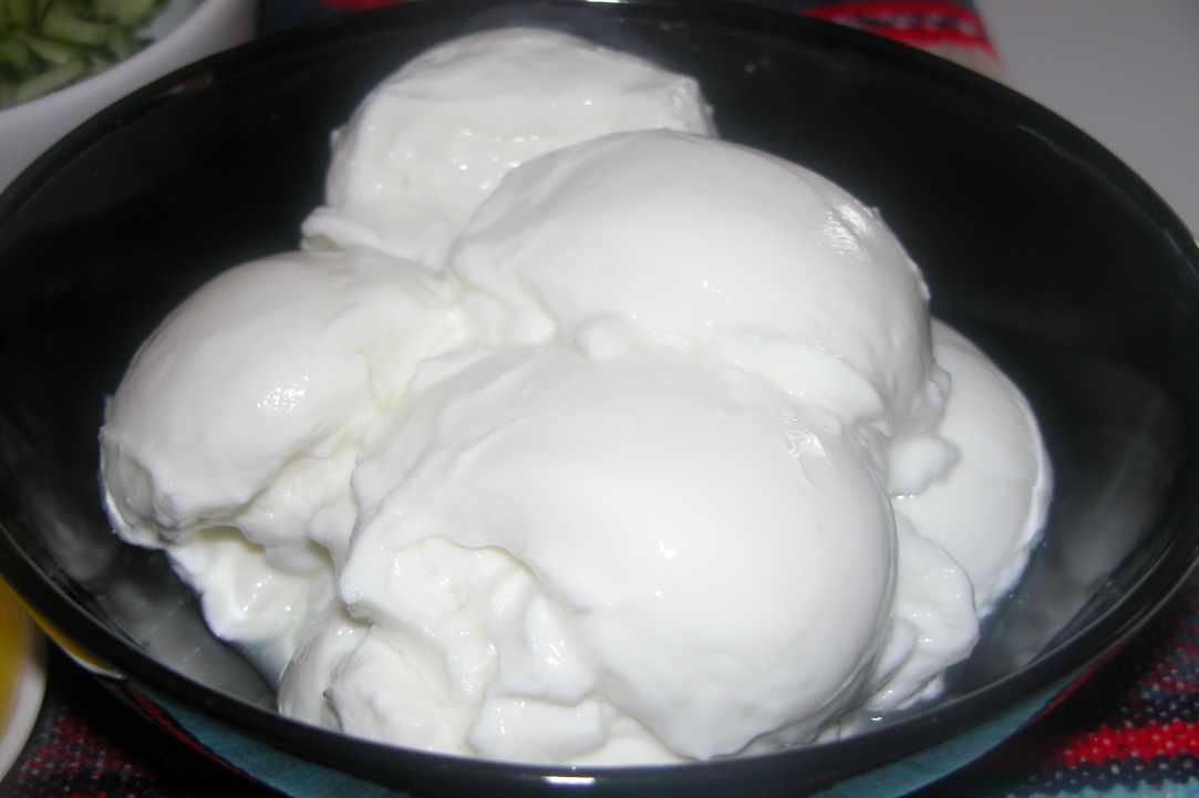 strained yoghurt