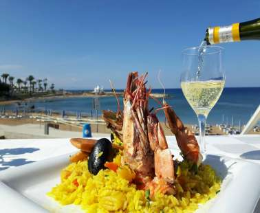 Do you enjoy seafood overlooking the Mediterranean?